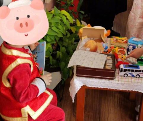 """佟麗婭為兒子慶四周歲生日 獲小暖男表白送""""鉆石"""""""