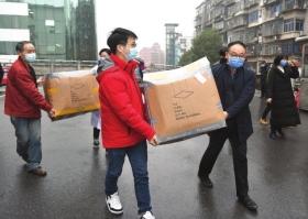 张艺兴低调驰援疫区 为四家医院捐赠口罩超6万个