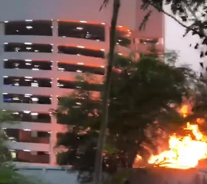 泰国一士兵持枪射击致12死 嫌犯挟持16名人质(图/视频)