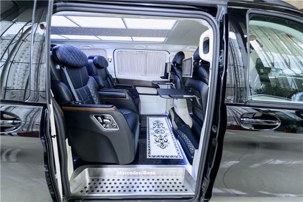 奔驰v级v260l商务车落地价多少  咨询热线:15088779054