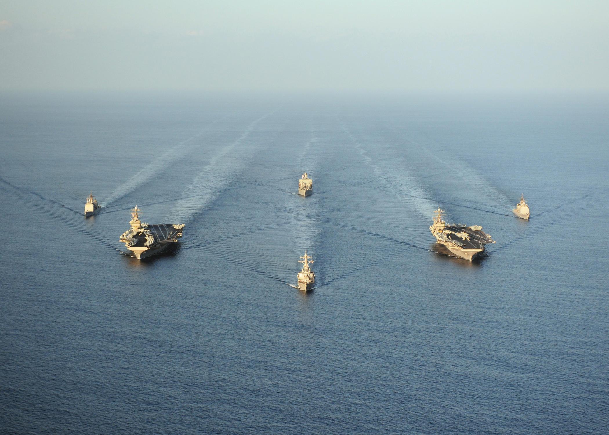 美国加强在中东军事戒备应对局势 将部署两艘航母