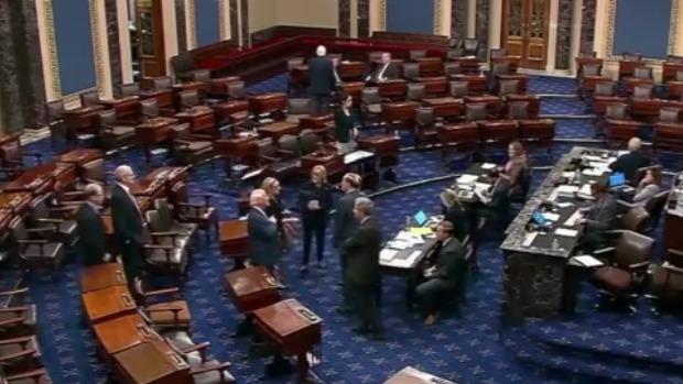 美国两党多名参议院被控涉内幕交易 股市暴跌前抛出股票