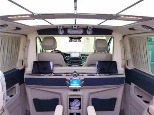 2019款赋予元素的奔驰V级VS980商务车  咨询热线:15088779054
