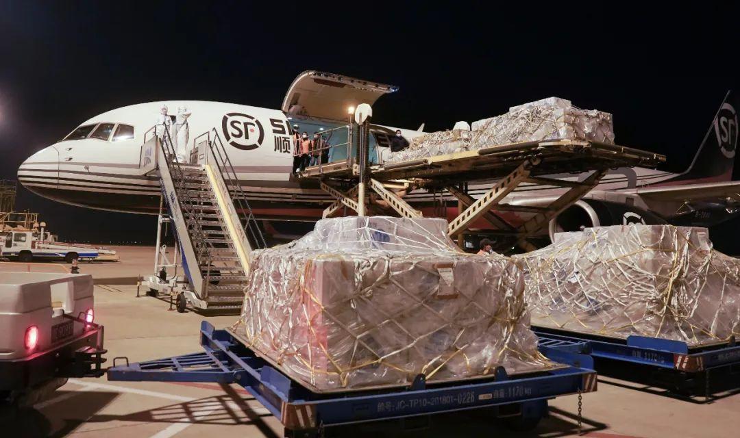 2周不到又改口!美国拒绝接受中国标准KN95口罩!马云捐口罩被召回?