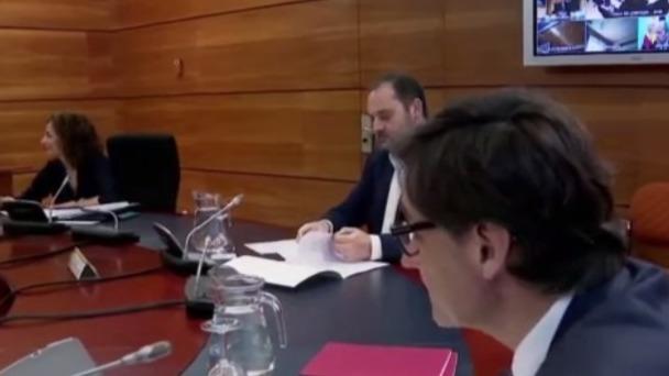 为防止疫情大面积扩散 西班牙将强制非必要行业职员停工