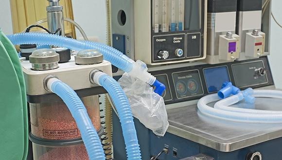"""德国收治意法重患背后:呼吸机增产的全球""""竞赛"""""""
