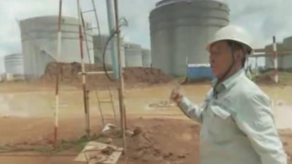 中企在老挝建造首个炼油区 却被雨季干扰进度
