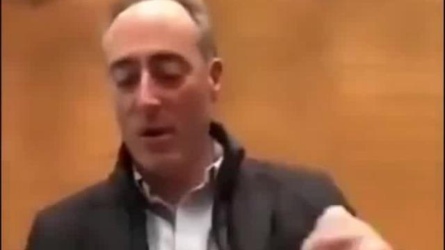 意大利民防部发放抹布口罩 地方官员吐槽:可以擦眼镜擦桌