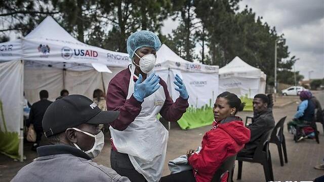 应对疫情 南非全国投入多个移动检测站