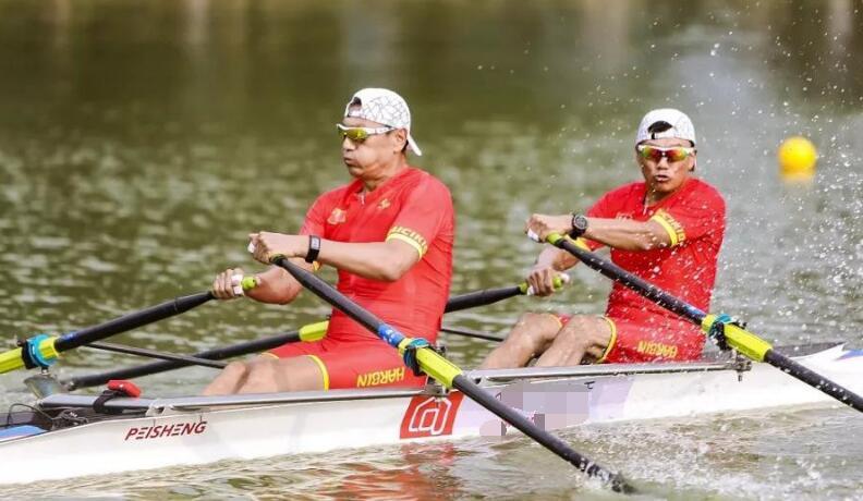 中国赛艇队、皮划艇队转场日照 继续备战奥运