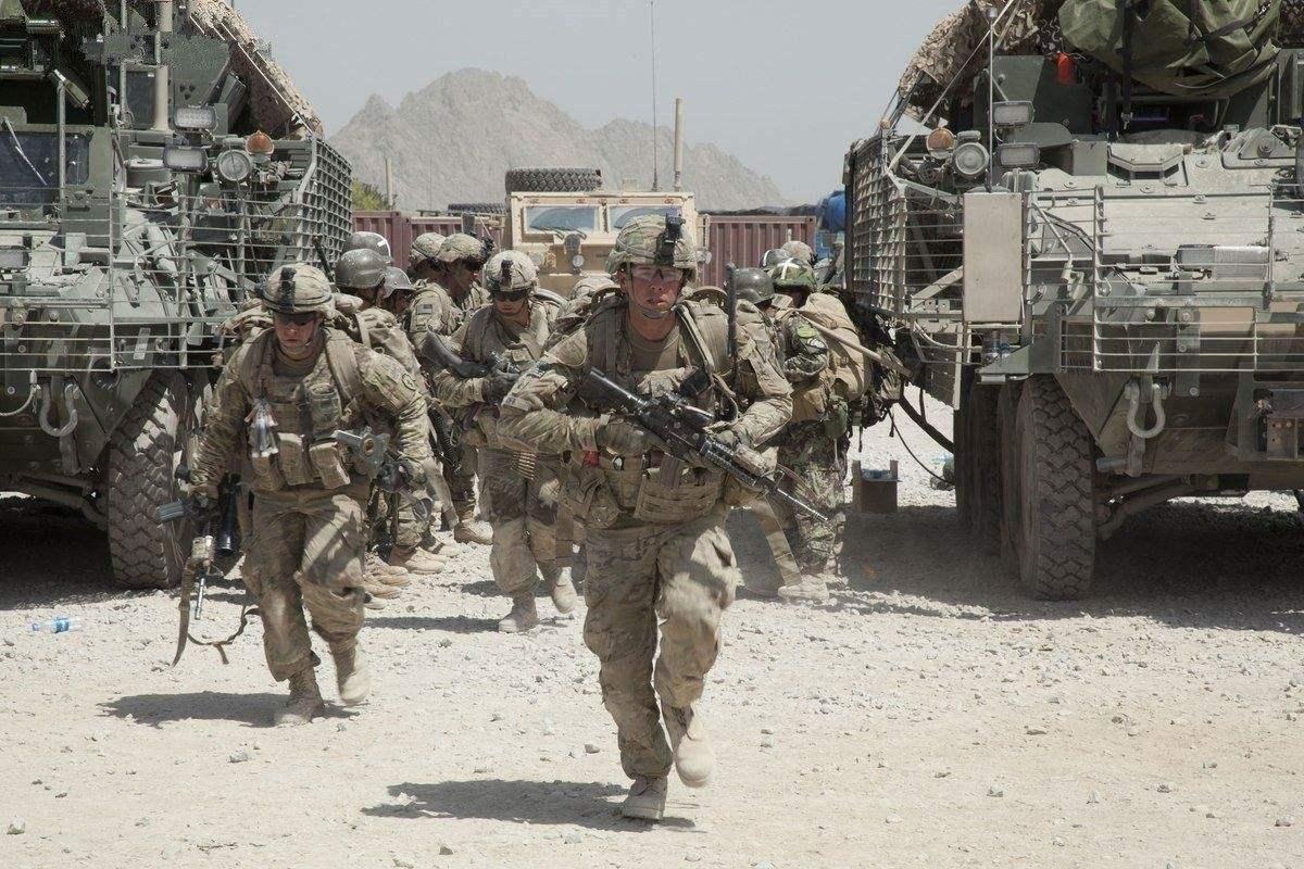 美国确诊逾30万例 特朗普称将增派军队帮助抗疫