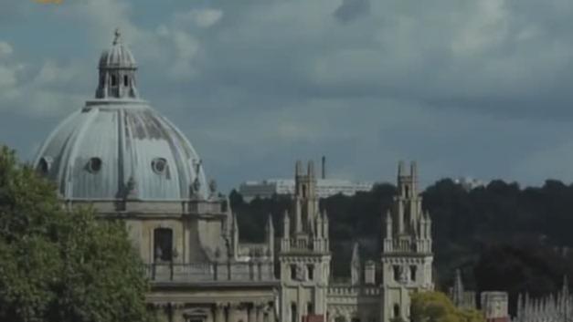 钟楼是牛津大学最高的建筑 外部装饰很有讲究!