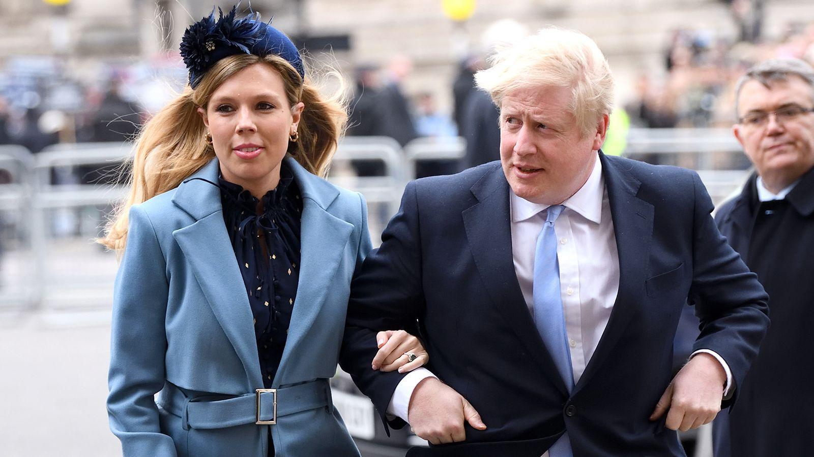 英国首相约翰逊的怀孕未婚妻出现新冠肺炎症状
