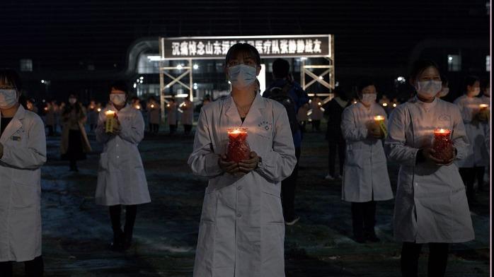 援鄂医护张静静逝世 数百黄冈市民自发悼念
