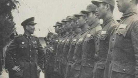 淮海战役杜聿明30万大军被全歼 刘峙率2000人逃回南京