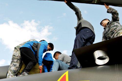 直8某型机高原试飞在格尔木机场圆满完成