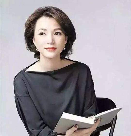 同行透露:董卿已从上海返京央视工作,一切安好