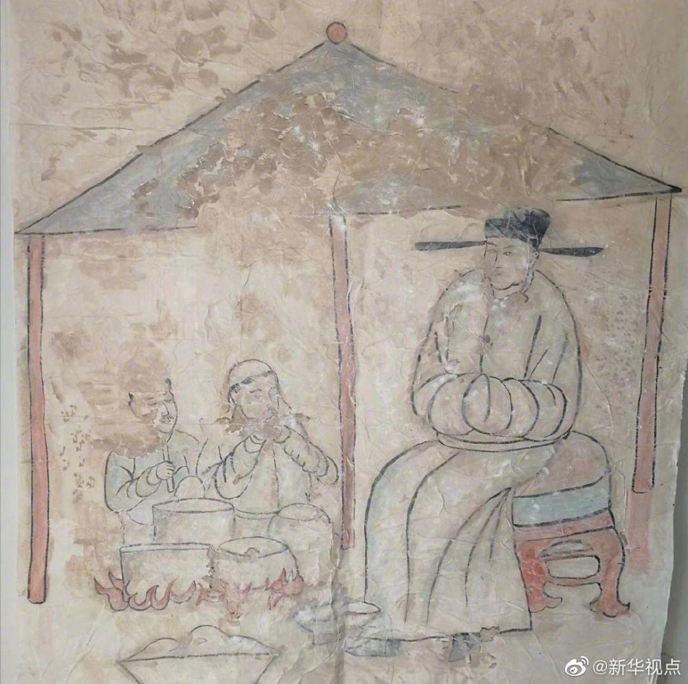 內蒙古農民修路時發現一座遼代壁畫墓 距今約千年