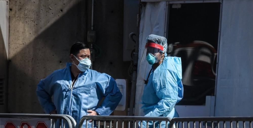 从1到超115万例!疫情最严重的美国如何层层失控?