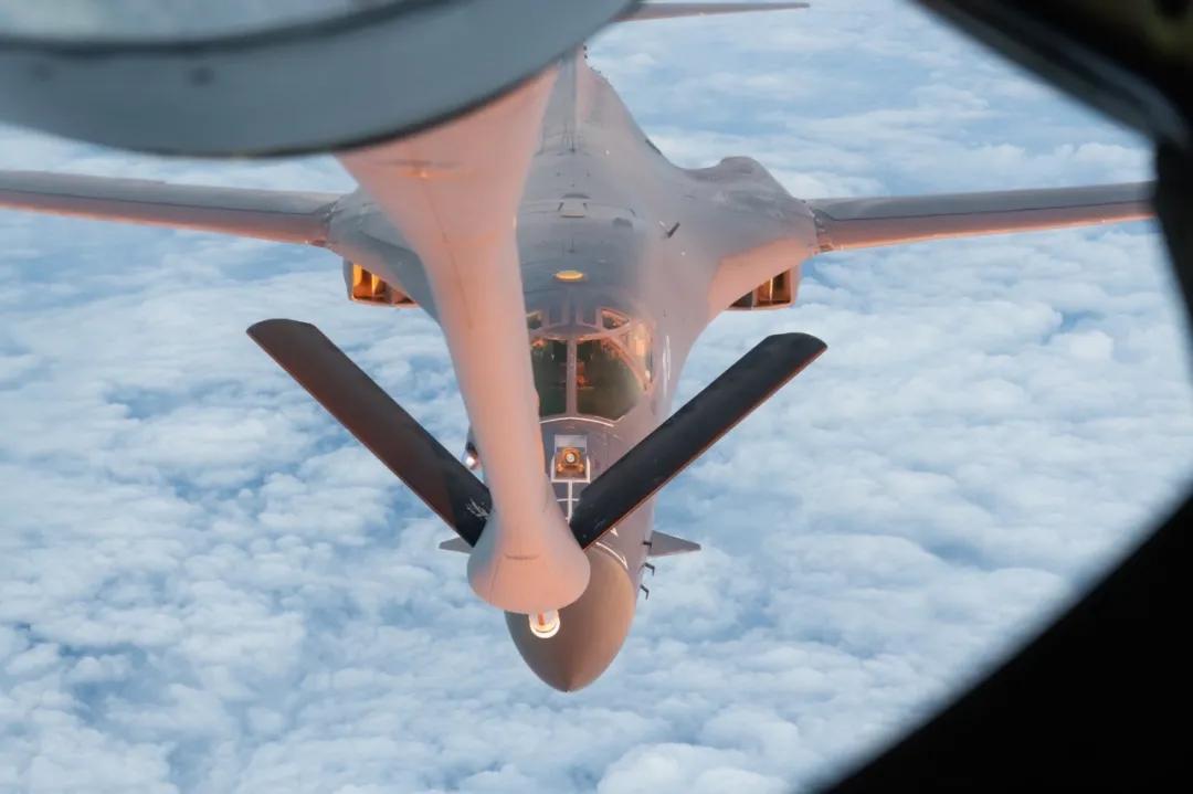 """美军B-1B万里奔袭南海 这些杀招威胁远超""""航行自由"""""""
