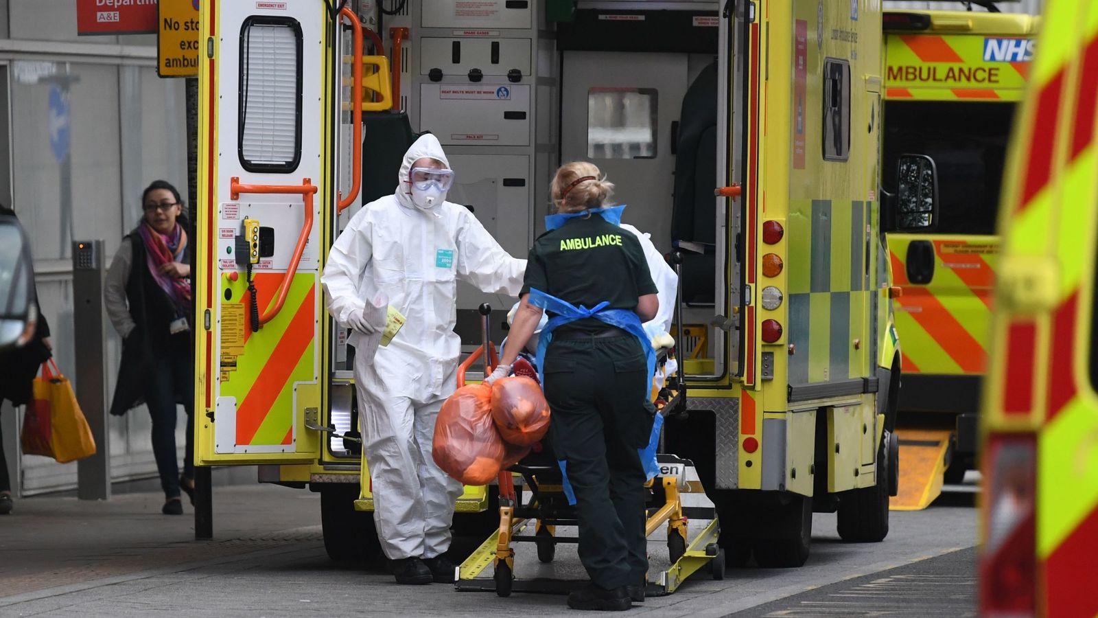 英国累计确诊逾18万例 死亡病例超2.8万例