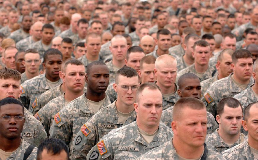 """美军禁止招募新冠患者入伍 康复者也被""""永久取消""""入伍资格"""