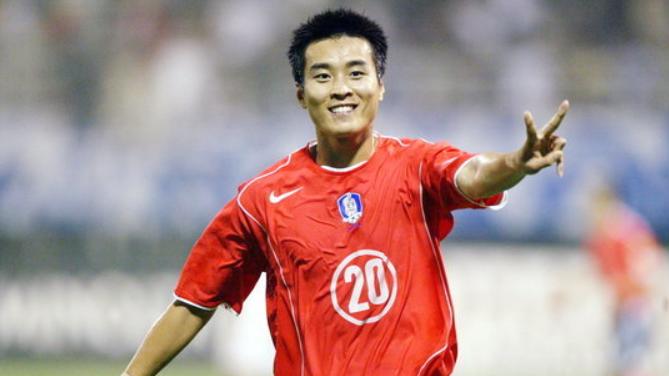 留洋受挫的天才,痛殴中国足球20年