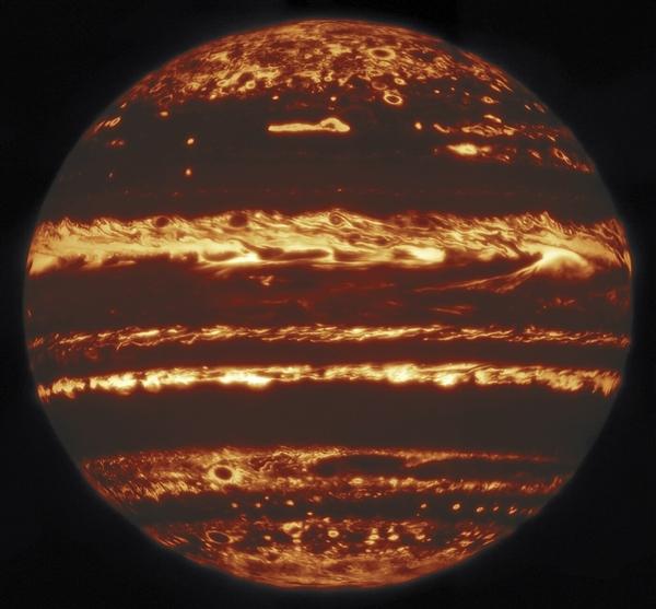 科学家在地球拍下木星完整红外照片:画面难得一见