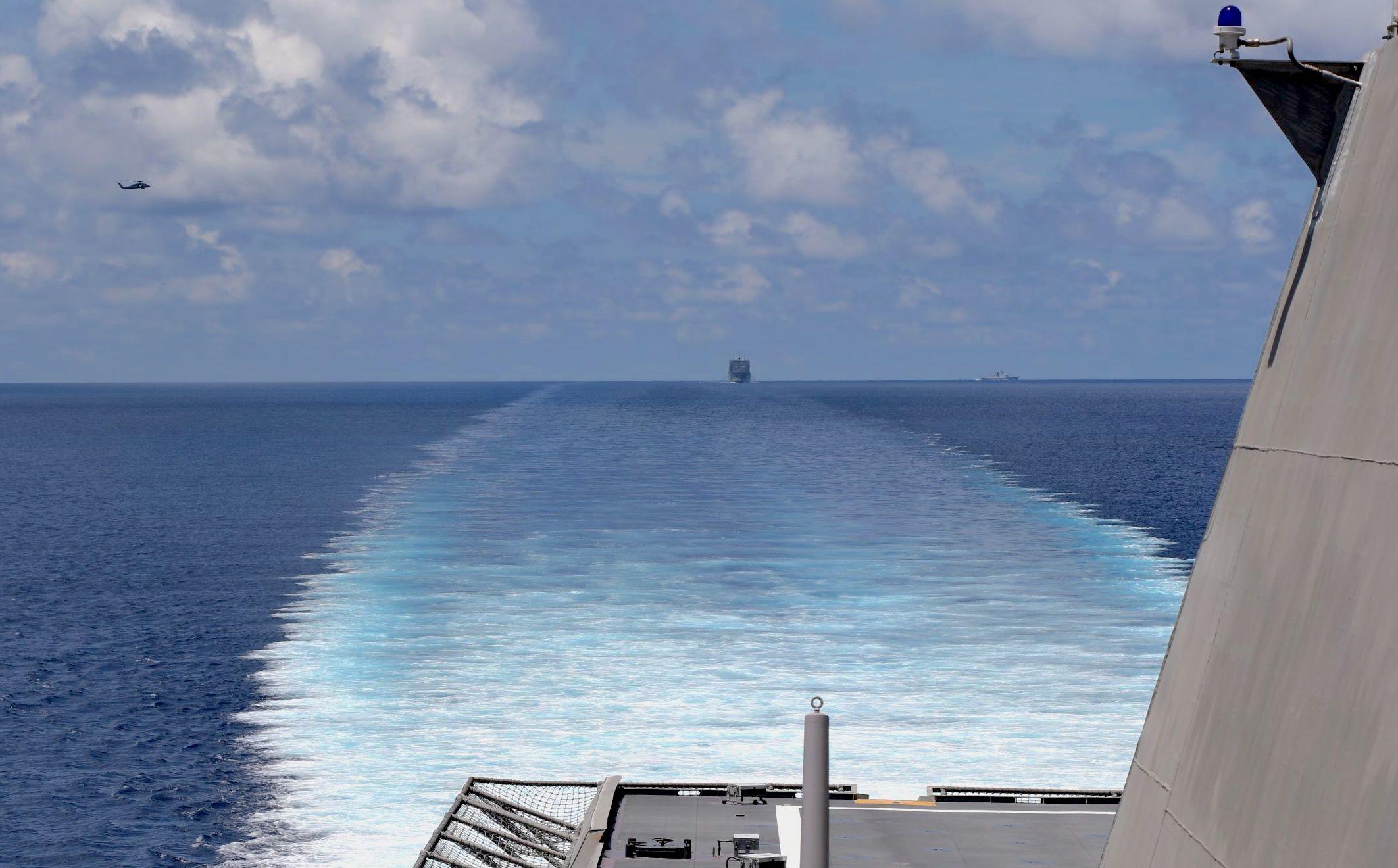 美国潜艇部队终亮相:在菲律宾海域战斗演习