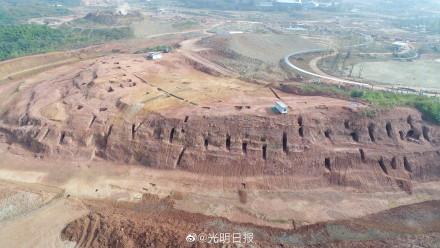 震撼!成都同一地点挖出6千各朝古墓 一部两千年史