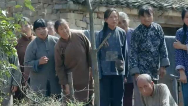 生死血符:美国人受伤后掉进水塘 遭到了村民们的围攻