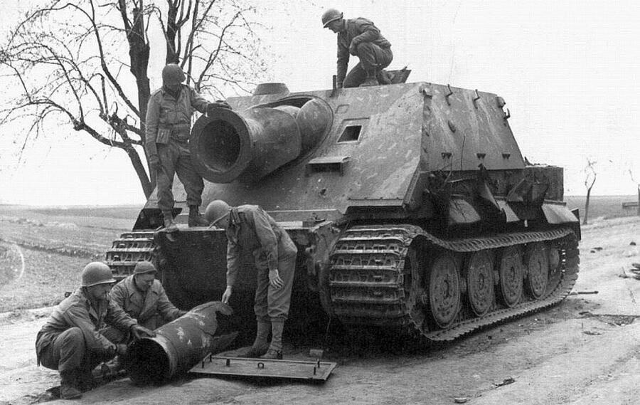 榴弹炮能否反坦克?炮兵专家:开200炮才能中1发