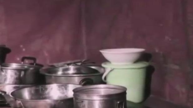 马可去偏远山区学习传统手工艺 与民间手工艺人同吃同住