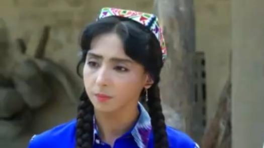 艾拉提因为婚事与妈妈争吵 阿孜古丽让妈妈请老卫做客