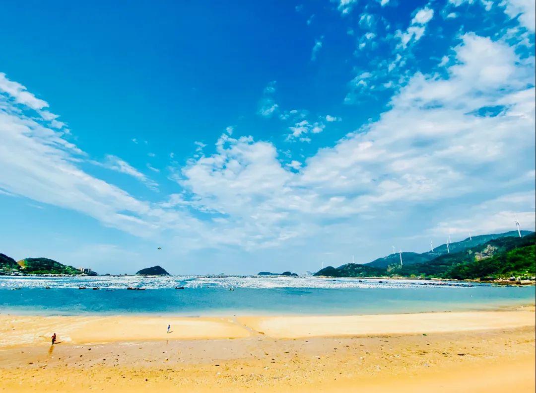 新挖到一个海岛小城,是电影《地久天长》的取景地!