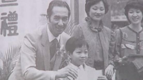 98岁赌王在澳门离世 3分钟揭秘传奇赌王何鸿燊的一生