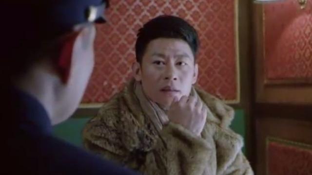 刘队长研究该怎么对付石田 陆英豪却在这时犯花痴