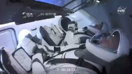 因天气原因SpaceX首次载人飞行取消 ,飞船内部画面曝光