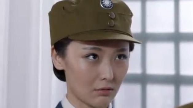 铁血军魂:淑娟亲身试验防毒面具 瑞年担心她会出意外