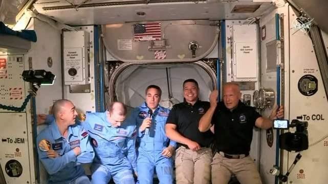 NASA航天员赞叹SpaceX飞船:操控顺畅,非常满意