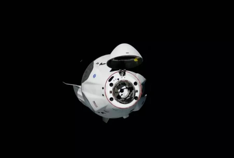 SpaceX载人龙飞船顺利抵达,成功与空间站对接