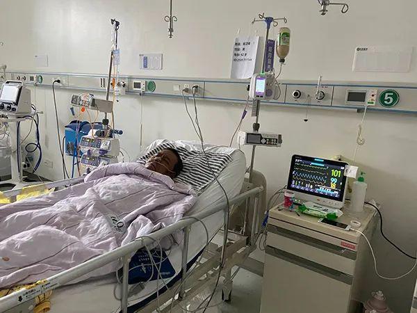 武汉中心医院染新冠医生胡卫锋抢救无效离世,病情曾一度好转
