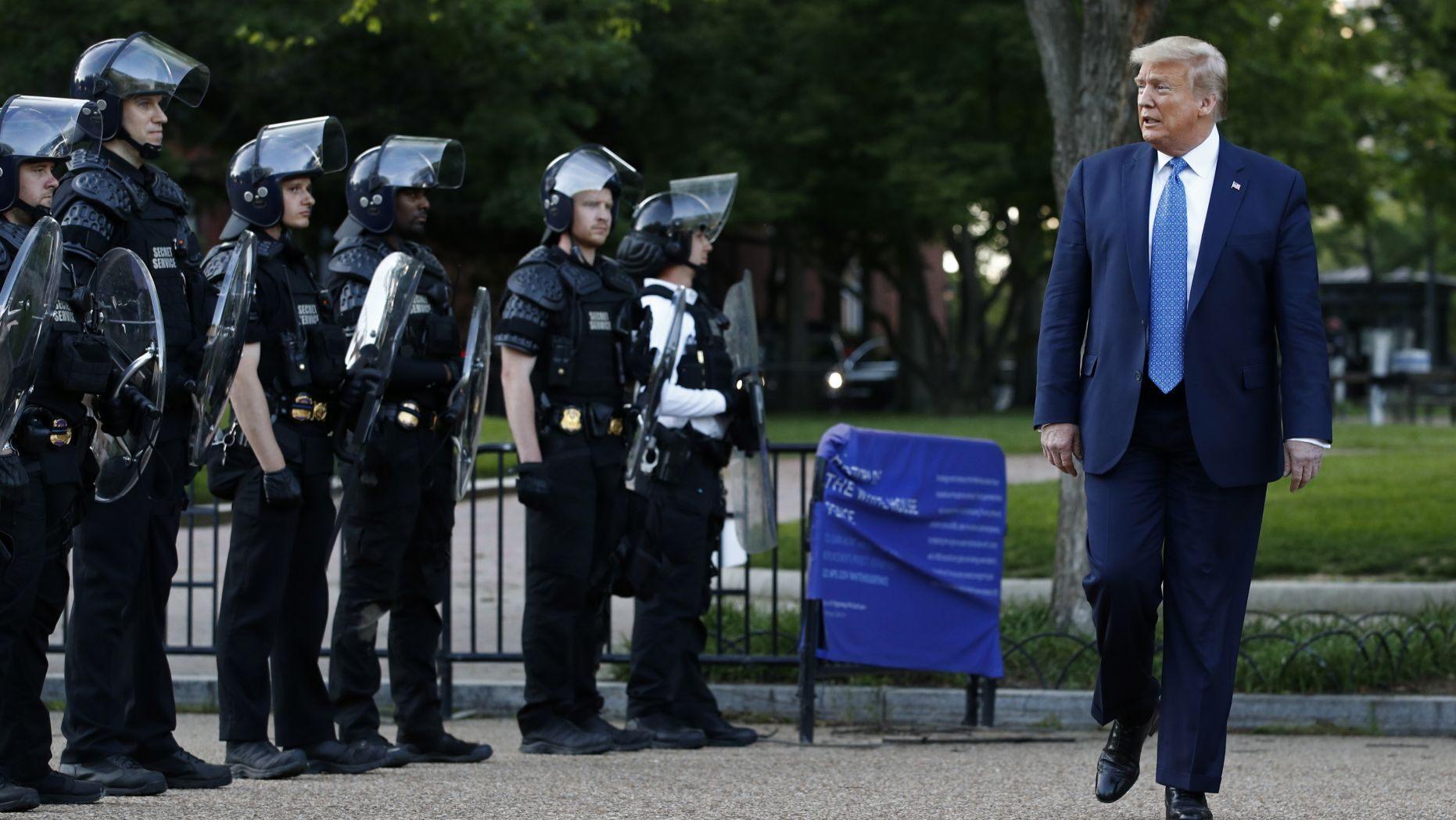【怎样创建博客】_为啥进白宫地堡?特朗普的解释让人没想到……