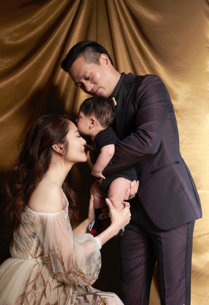 40岁安以轩结婚纪念日宣布怀二胎,预产期在年底