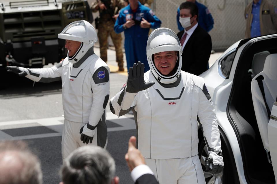 两名宇航员,都是美国NASA资深宇航员