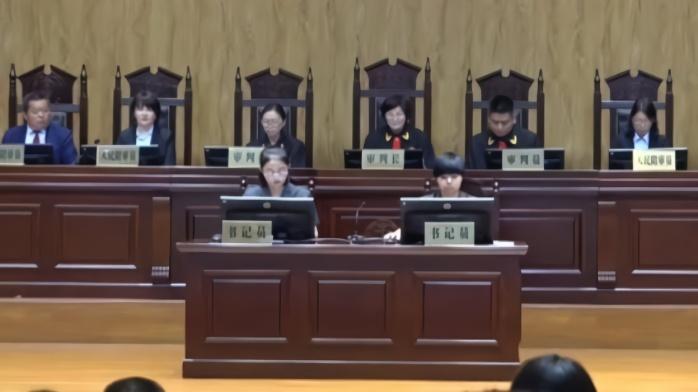 """市长出庭""""维权"""",河南首例政府诉企业排污案开庭(视频)"""