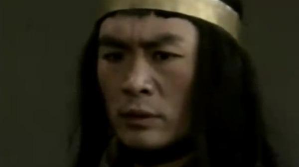 武松被官府到处通缉 他为了去二龙山打扮成僧人