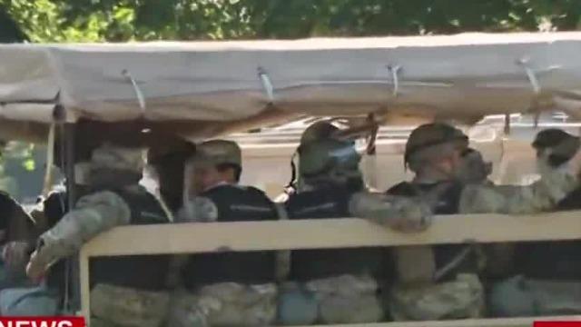 华盛顿特区骚乱升级 美国第18空降军武装宪兵增援白宫