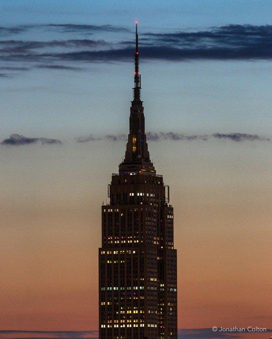 """纽约帝国大厦熄灯纪念弗洛伊德被""""悲剧性谋杀"""""""