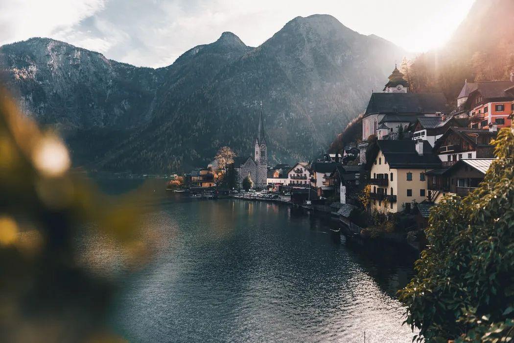 △奥地利存在感强点的,是《冰雪奇缘》灵感来源地——哈尔施塔特/unsplash
